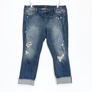 Torrid   Distressed Boyfriend Medium Wash Jeans